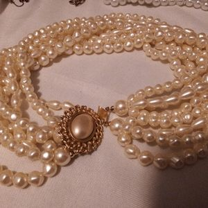 Carolee Faux I strand pearl necklace